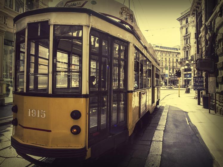 milano_italy_tram